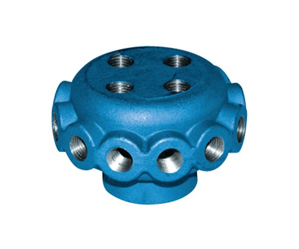 liquid manifold with 16 outlets